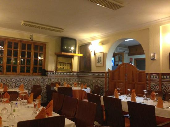Pension Restaurante Pizarro: Dining room