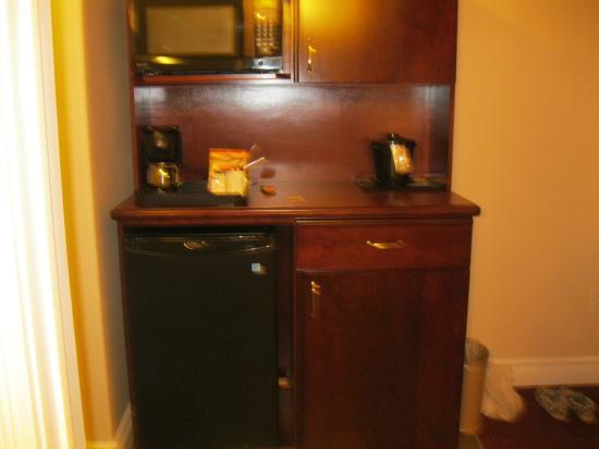 Chateau Nova Yellowhead : Kitchen area - microwave-fridge-coffee maker - plates-cutlery