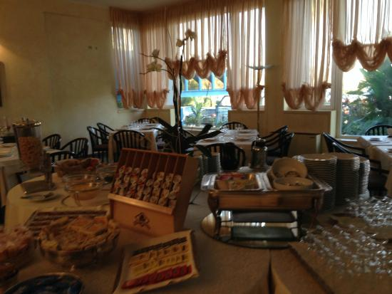 Hotel Itaca: Breakfast