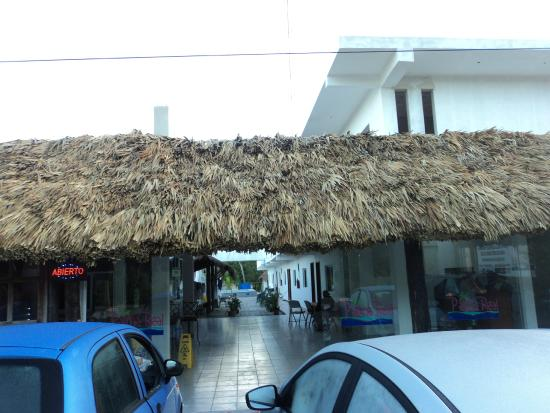 Hotel Palma Real: Vista desde afuera
