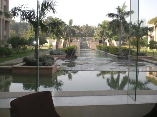 The Grand New Delhi: dalla zona salotto