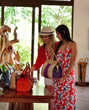 Las Lagunas Boutique Hotel: Souvenir Shop