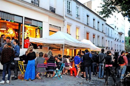 t shirt picture of cafe la laverie paris tripadvisor. Black Bedroom Furniture Sets. Home Design Ideas