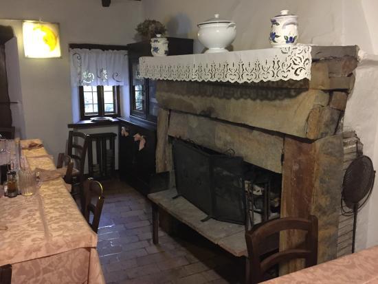 Pavullo Nel Frignano, อิตาลี: Un caminetto