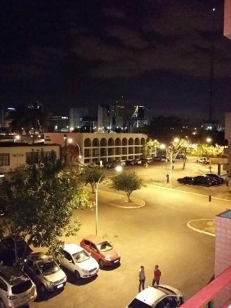Bittar Plaza Hotel: Vista da varanda do quarto