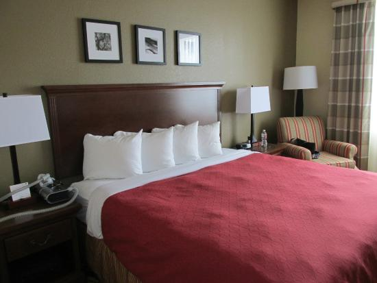 Country Inn & Suites By Carlson, Houston Intercontinental Airport East : Sehr bequeme neue und saubere Betten
