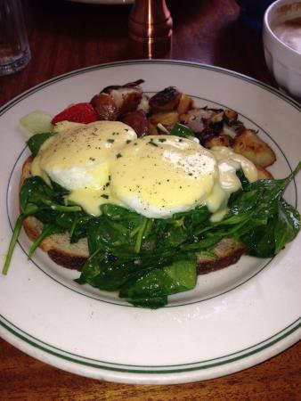 Willow Wood Market Cafe: Yummy eggs florentine