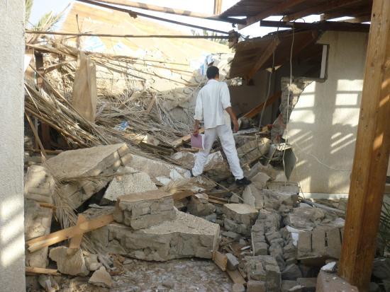 Bishbishi Garden Village : Our room after the blast