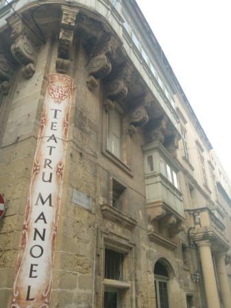 Manoel Theatre : outside