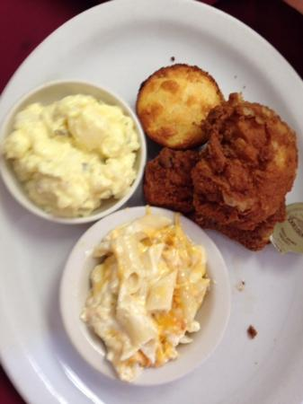 Daddy D's Suber Soulfood: fried chicken, corn bread, potato salad and macaroni