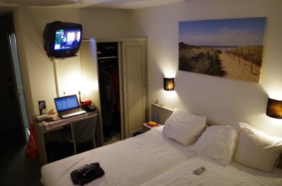 kamer 211, badkamer met ligbad. - Picture of Fletcher Hotel ...