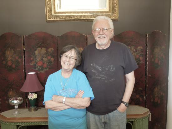 Spencer House Bed and Breakfast: Viviann and Dan Capps, Innkeepers
