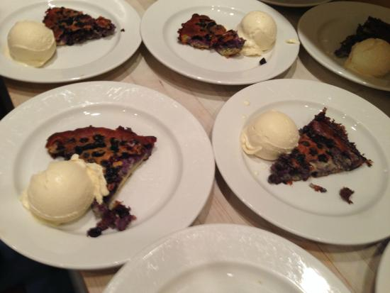 Miette Culinary Studio: Mouth watering Blueberry Clafoutis and homemade vanilla ice cream (with his own vanilla extract!