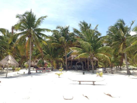Xamach Dos: vue depuis la plage