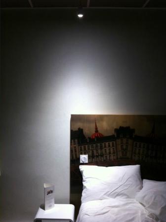 Kyriad Nantes Centre Graslin: Lampe de chevet