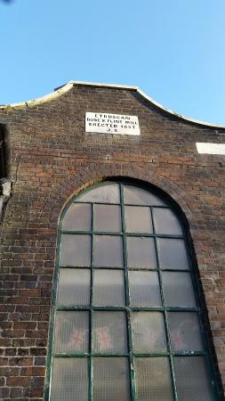 Etruria Industrial Museum: Through the arch window...