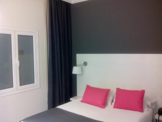 Hotel Parque: Habitación bien decorada y arreglada
