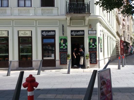 Budapest - Cafe Alibi