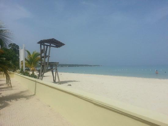 SuperClubs Rooms on the Beach Negril: Beach