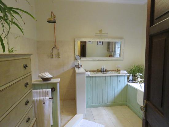 Giraffe Manor: Bathroom Of U0027Helenu0027 Room