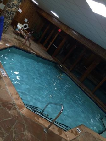 Clarion Inn In Merrillville Pool