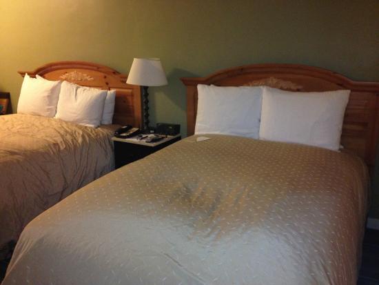 Casa Munras Garden Hotel & Spa : The best bed ever....