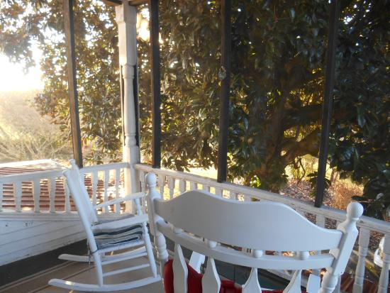Sunrise Farm Bed and Breakfast : second story screened porch