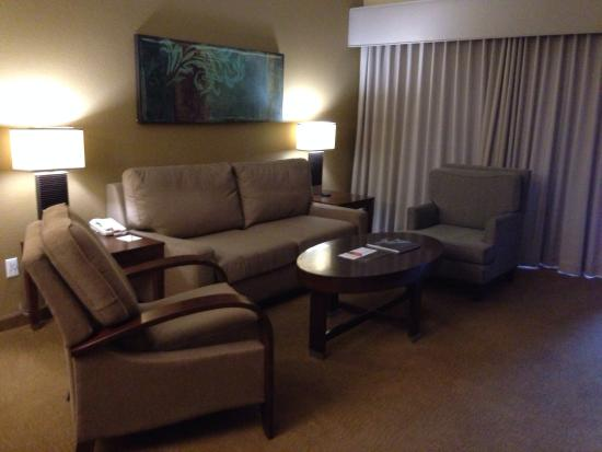 Scottsdale Villa Mirage: Living room 1 bedroom unit 105M