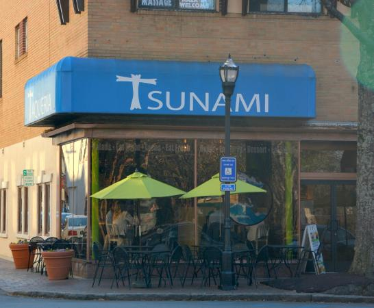 Taqueria Tsunami: Asian meets Latin