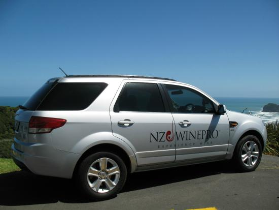 NZWINEPRO - Auckland Wine Tours : Ford Territory TDC A/C 6 seat