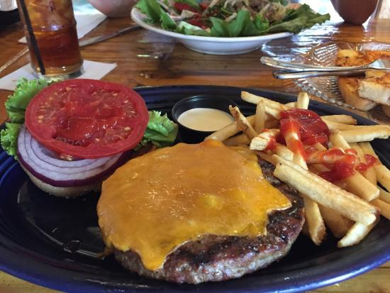 The Seafood Bar & Grill: Burger & Fries