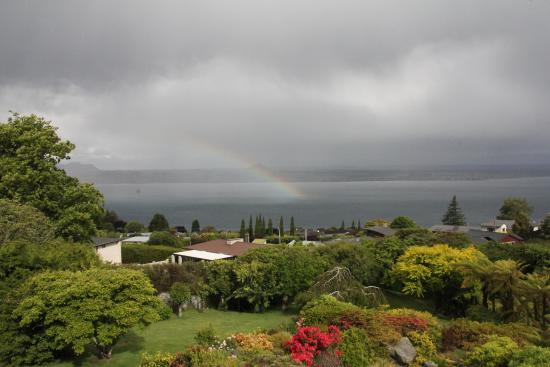 Lake Taupo Lodge: Gorgeous view from our room