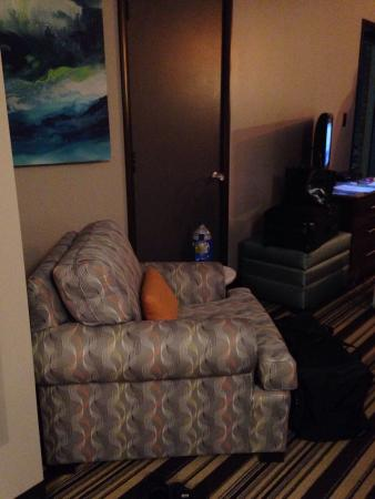Blue Water Inn: This is an adjoining room to the suite.  Nice comfy chair but no lamp.