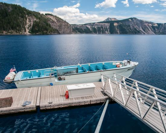 Crater Lake - Volcano Boat Tours
