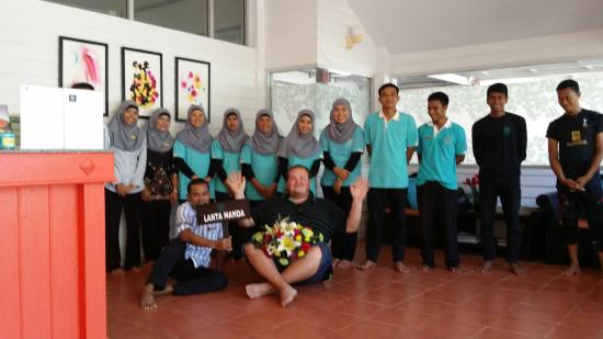 Lanta Manda Resort: Staff says Goodbye!