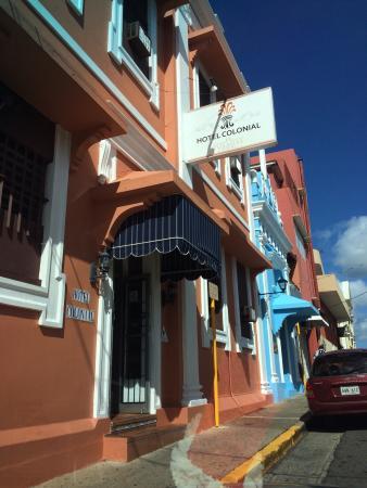 Hotel Colonial: Entrada del Hotel
