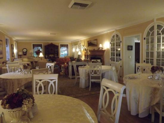 The Campbell House: The Elegant Breakfast Room