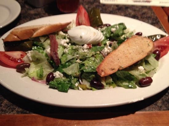 Alstarz Bar & Grill: Greek Salad