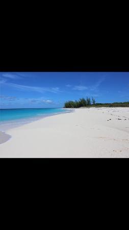 Shannas Cove Resort: White Sand
