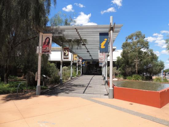‪Mildura Visitor Information Centre‬