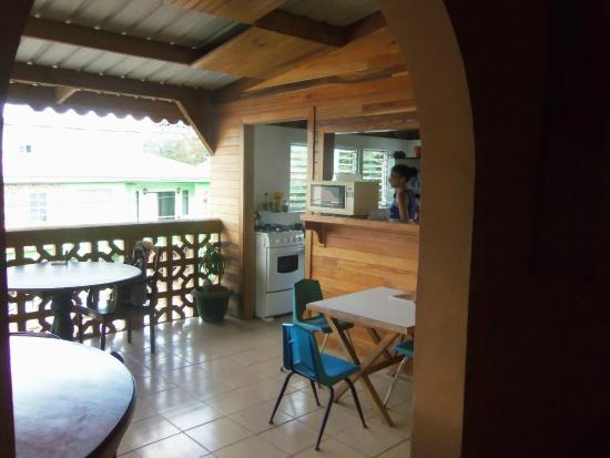 Tia Maria Guesthouse : this is a view of the kitchen