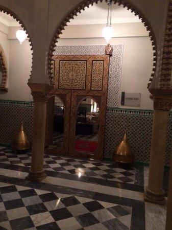 Hotel la Tour Hassan: restaurant area