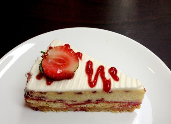 Saint-Honore: Cheese cake strawberry