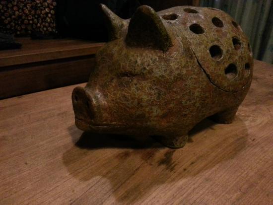 MO Rooms: Pig
