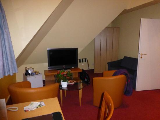 Hotel Villa Monte Vino: Quite large bedroom