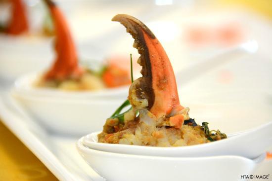 Green Mango : Crab on pumpkin sauce