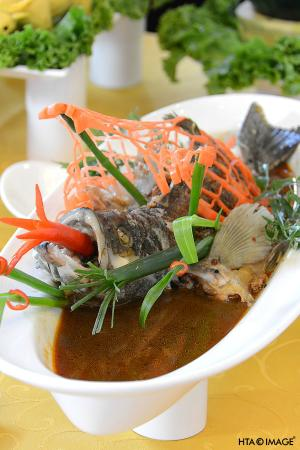 Green Mango : Steamed fish in soybean sauce