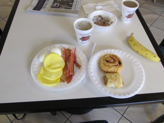 Quality Inn: My breakfast