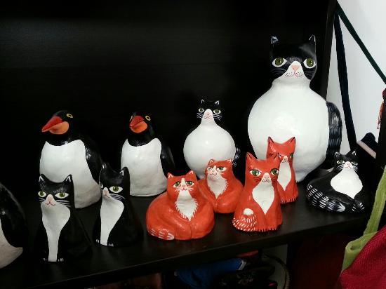 Yad LaKashish: Paper mache cats