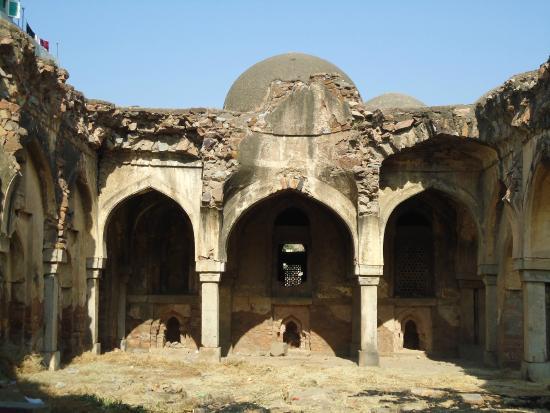 Begumpuri Masjid